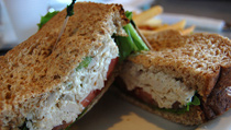 Easy chicken salad sandwich. Photo/evilmidori
