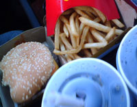 Hamburger, fries, soft drink - a low calorie fast food lunch? Photo/exercism